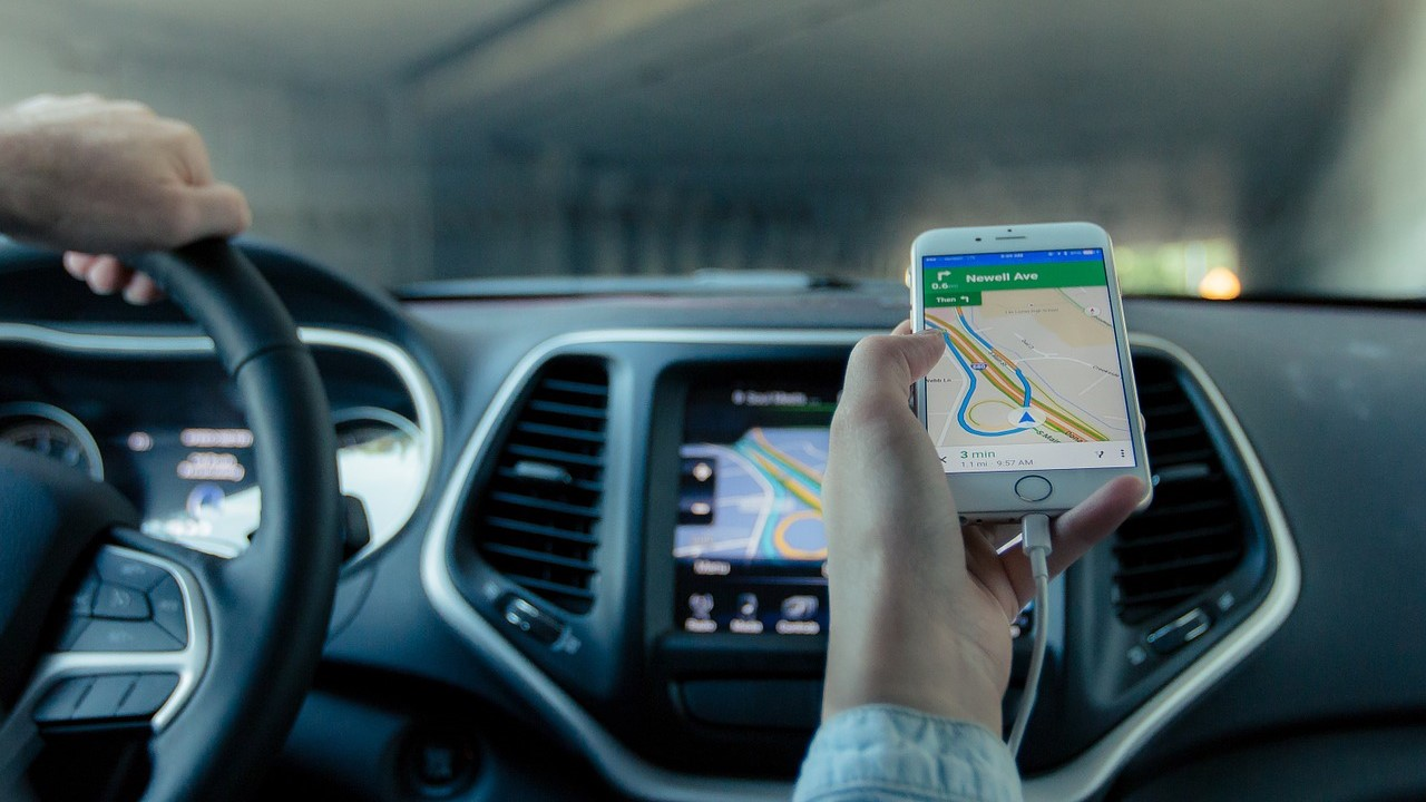 Using Waze And Scoop Apps For Carpool Commuting | Cubicle